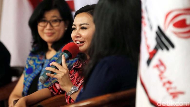 Ketika Perempuan Bicara Politik