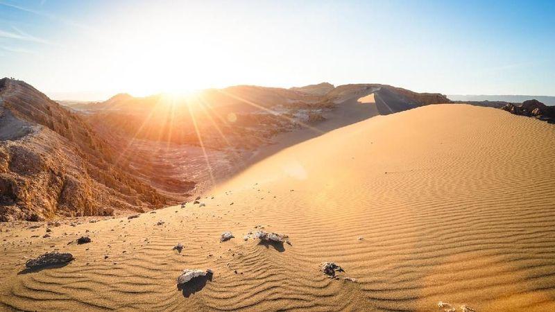 Atacama adalah salah satu gurun terbesar di dunia, melintasi 4 negara yakni Peru, Chile, Bolivia, dan Argentina (Thinkstock)