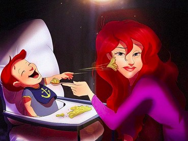 Pernah ngerasain apa yang dialami Bunda Ariel? Lagi nyuapin, eh malah dilempar makanan sama anak.