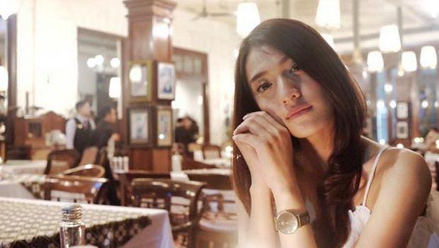 Anissa Aziza, kekasih Raditya Dika.