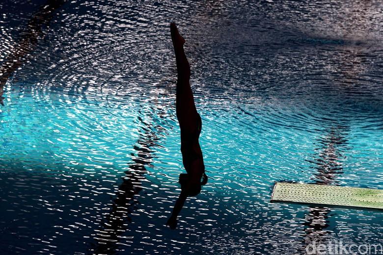 Melihat Aksi Memukau Atlet Aquatik Indonesia