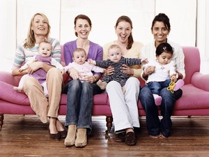 Komunitas Ibu-ibu Bermanfaat Banget Lho Buat Psikologis Bunda