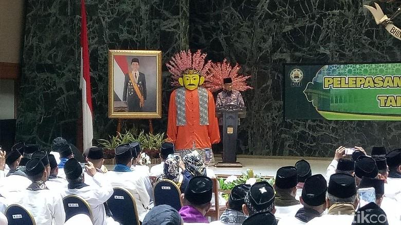 Lepas Rombongan Marbut Umrah, Anies Minta Doa untuk Jakarta