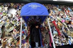 Foto: Hotel yang Dibangun Pakai 2 Ton Sampah