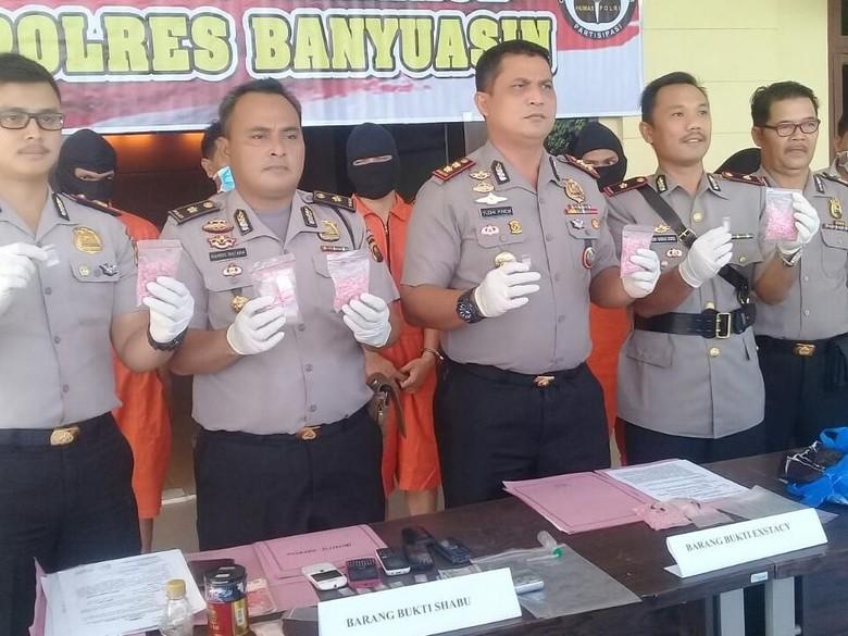 Polisi Gagalkan Peredaran 1.500 Pil Ekstasi Lintas Provinsi