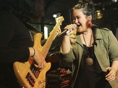 Di Balik Hobinya Masak, Cucu B.J. Habibie Ini Ternyata Vokalis Band Rock