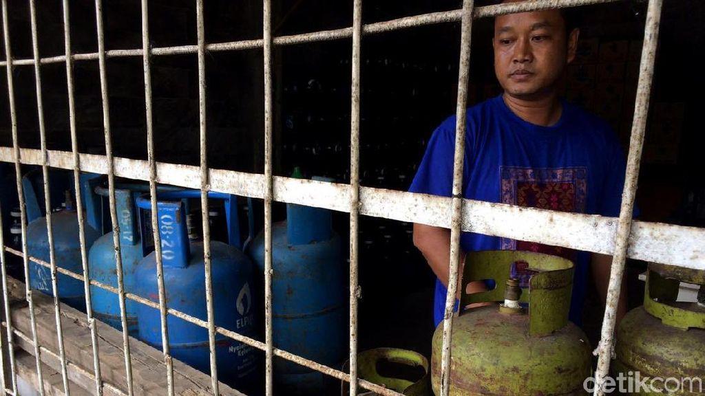 Harap Cemas Pedagang Menanti Kiriman Elpiji 3 Kg