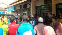 Ratusan Guru Honorer di Bondowoso Tuntut Insentif Daerah Merata