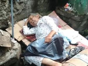 Ditelantarkan, Lansia yang Tidur di Got Masih Sayang Anaknya