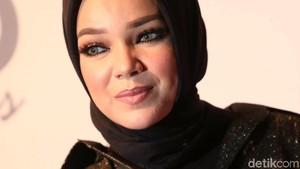 Lanjutkan Pendidikan Jadi Resolusi Dewi Sandra di 2018