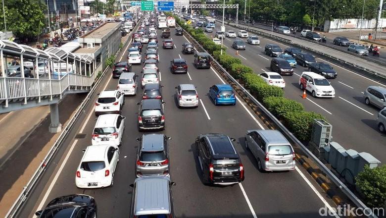 Langkah Tepat untuk Menyalip Kendaraan Lain Foto: Eduardo Simorangkir