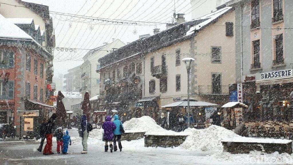 1 Orang Tewas Tertimpa Bebatuan di Pegunungan Alpen