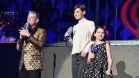 Setelah bercerai dengan Tom Cruise, Suri (11 tahun) memang jarang tampil di hadapan publik. Foto: Getty Images
