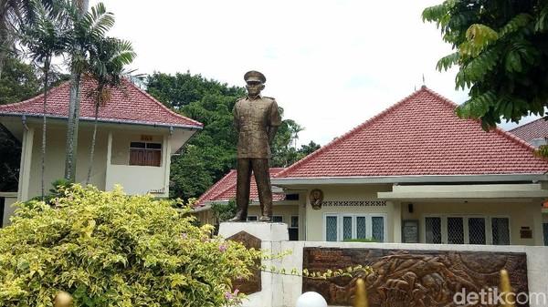 Masih di daerah Menteng, ada Museum Ahmad Yani di Jalan Lembang No 58 dan Jalan Latuharhari No 65, Jakarta Pusat. Sesuai namanya, museum ini merupakan bekas rumah dari Jenderal Ahmad Yani (Seysha Desnikia/detikcom)