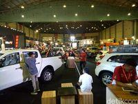 Suasana Pameran Otomotif Makassar