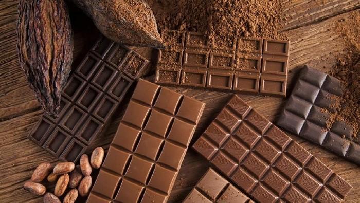Mengendus bau cokelat bisa bantu berhenti merokok. Foto: iStock