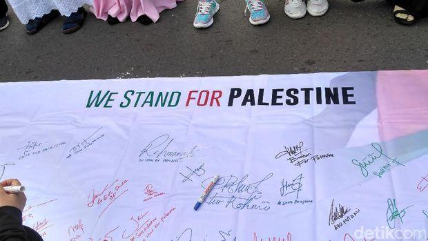 Aksi Masyarakat Kecam Trump Soal Yerusalem di Bundaran HI