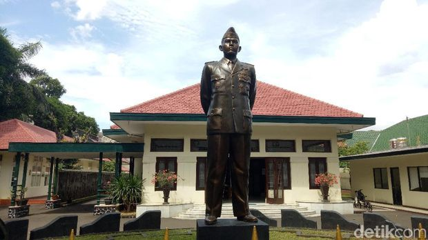 Rumah AH Nasution