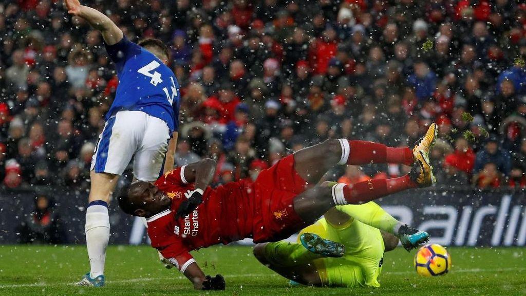 Derby Merseyside Panaskan Babak Ketiga