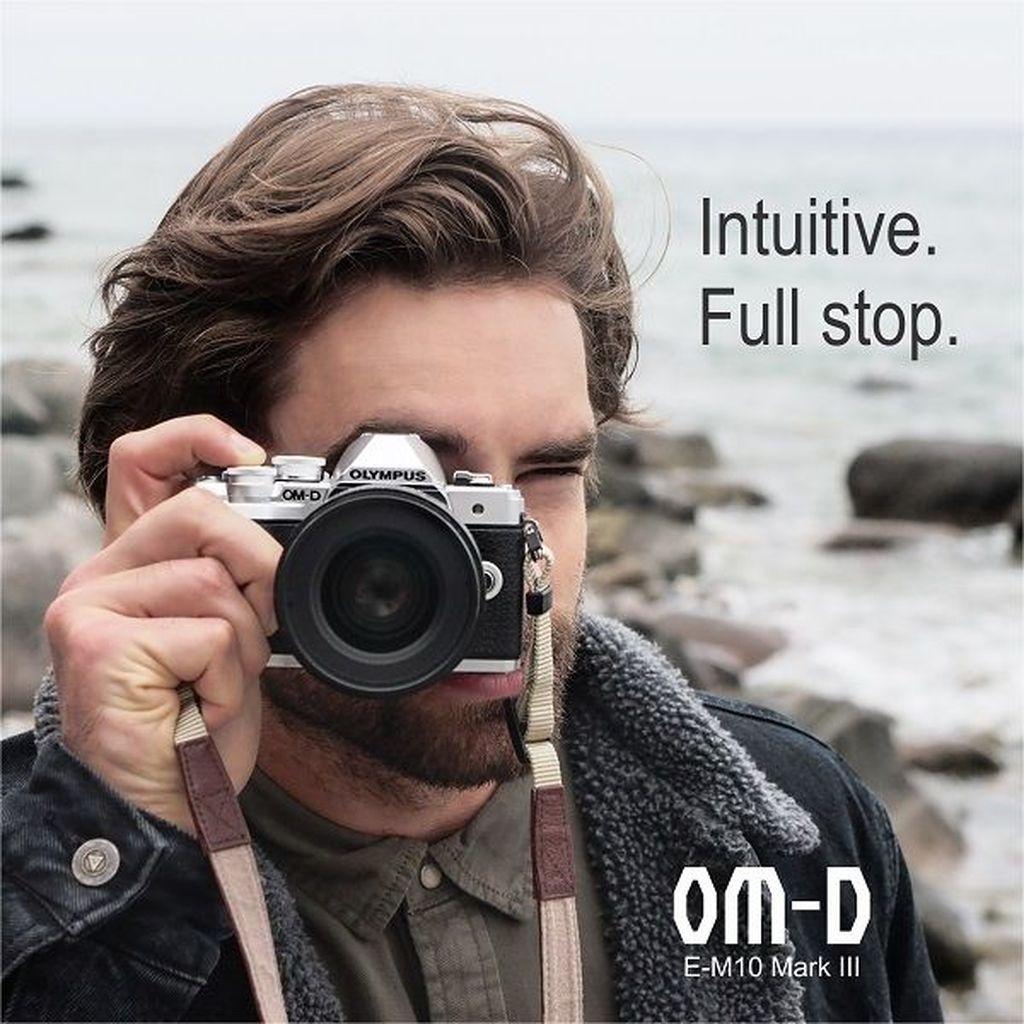 Dengan bobot yang ringan dan mudah digunakan, kamera ini diklaim mempunyai kontrol intuitif untuk memudahkan kita saat memotret, sehingga menghasilkan gambar yang tajam dan video yang mulus. Foto: Olympus OMD E-M10 Mark III