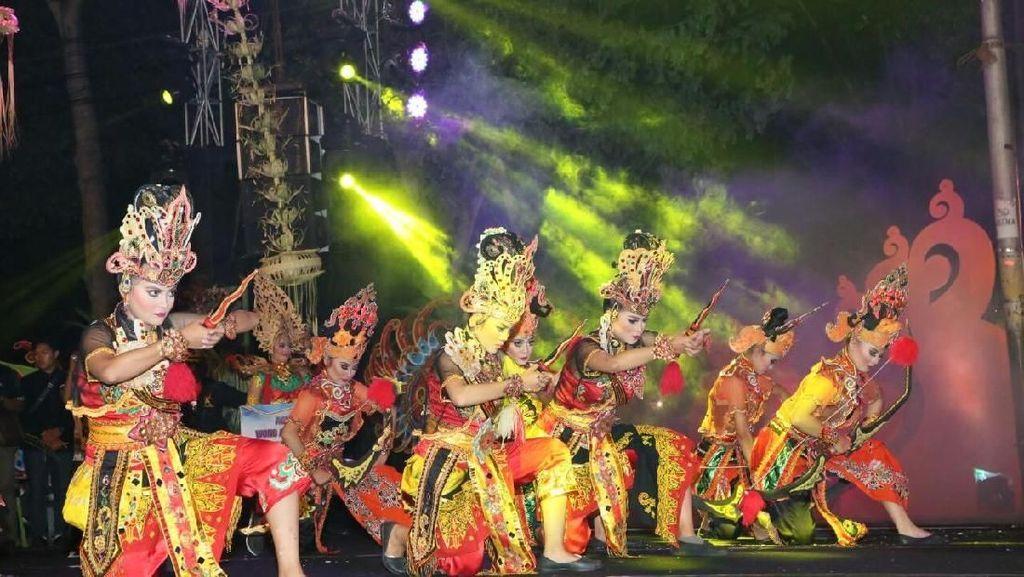 Gemebyarnya Festival Kuwung yang Ceritakan Sejarah Banyuwangi