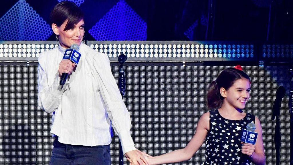 Katie Holmes Rayakan Ultah Putrinya dengan Cara yang Spesial