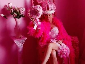 Terobsesi Warna Pink, Wanita Ini 36 Tahun Hidup dengan Benda Serba Pink