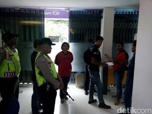 Kantor Bank Mandiri Dampit Malang Dibobol Maling