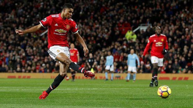 Manchester United saat menjamu Manchester City musim lalu. (