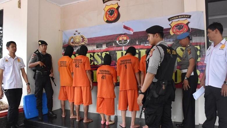 Sakit Hati Pacar Selingkuh, Wanita di Bogor Rencanakan Pembunuhan
