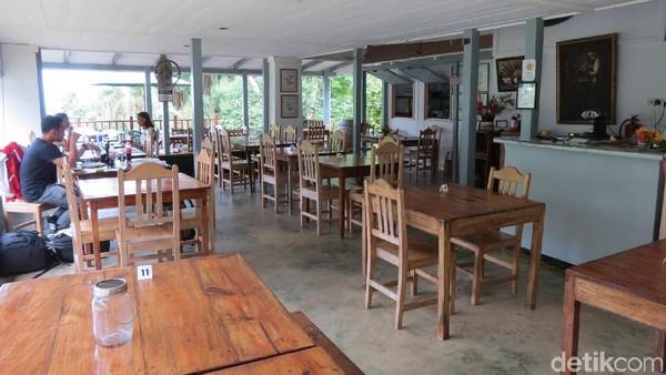 Salah satu tempat untuk menikmati masakan Creole adalah di restoran Le Jardin du Roi. Restoran ini ada di lereng bukit daerah Anse Royal, 21,3 km dari Ibukota Victoria (Fitraya/detikTravel)