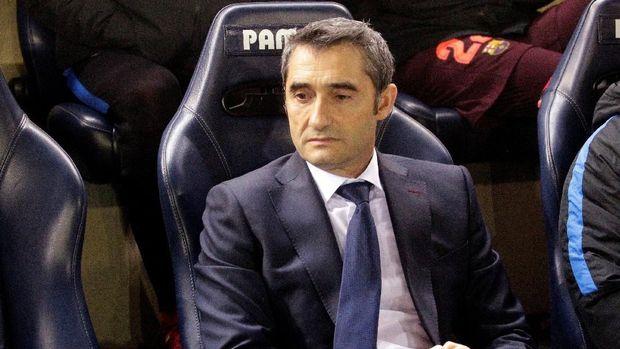 Ernesto Valverde lebih senang menggunakan formasi 4-4-2 di Barcelona.