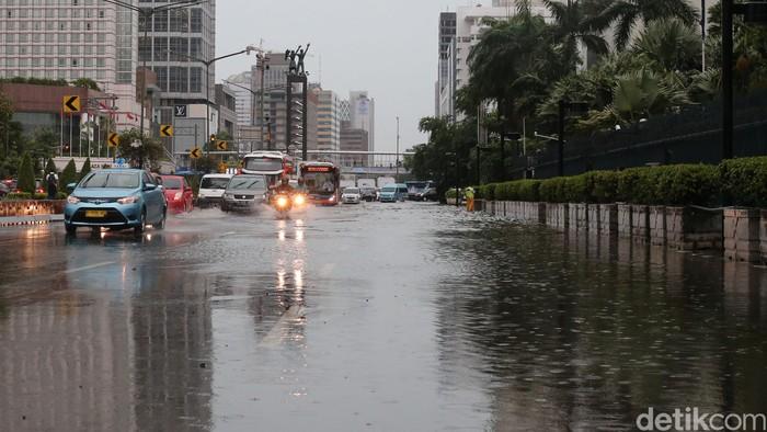 Foto Bundaran Hi Juga Tak Luput Dari Banjir
