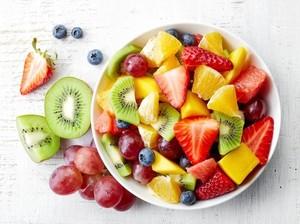 Bolehkan Buah Dimakan Bersamaan dengan Makanan Lain?
