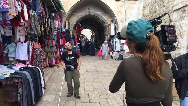 Destinasi yang baru saja dia kunjungi adalah Yerusalem (Tony the Traveler/ Facebook)