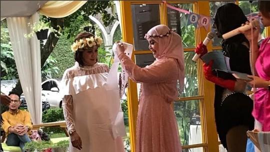 Intip Keseruan Baby Shower Andi Soraya