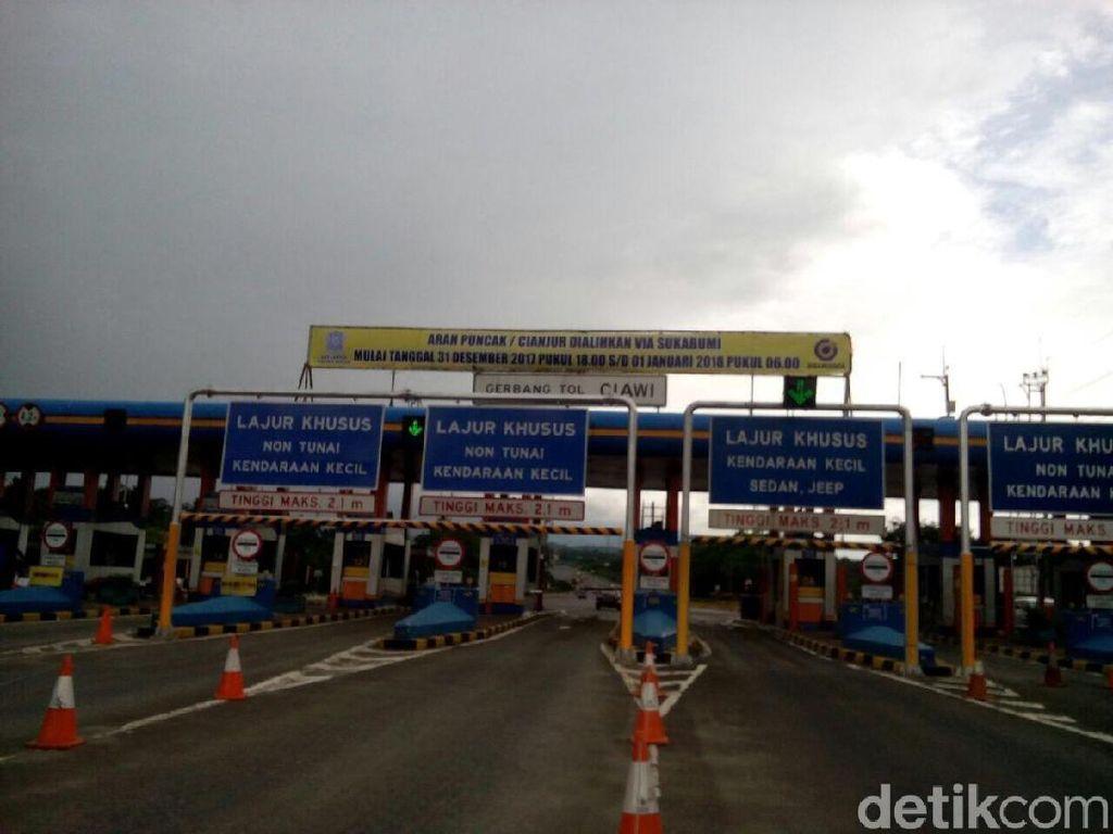 Ada One way, Semua Pintu Tol Jakarta hingga Cikampek Ditutup