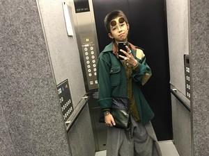 Foto: Ini Yoshi, Remaja 13 Tahun yang Dijuluki Raja Selfie di Lift