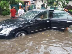 Obat Buat Mobil yang Terkena Banjir dan Mati Mesin
