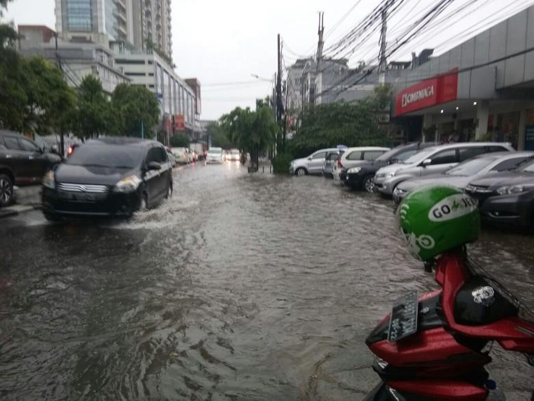Jalan tergenang. Foto: Dok. Twitter Dinas Sumber Daya Air DKI Jakarta