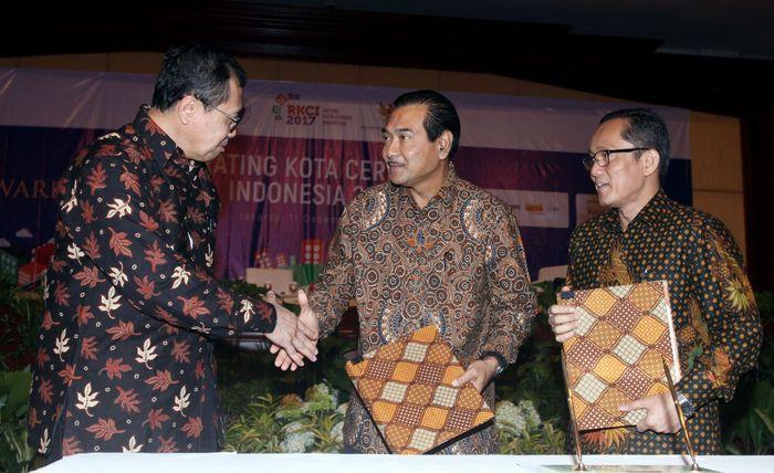Kerjasama itu dituangkan dalam Memorandum of Understanding antara Bank BRI dengan ITB di Jakarta. Foto: dok. BRI