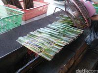 Wajib Cicip, Otak-otak Merah Khas Riau yang Pedas Menggigit