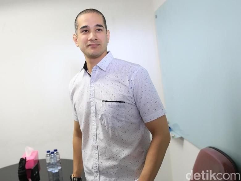 Dituding Penyuka Sesama Jenis, Okan Cornelius: Sammy Suka Sama Gue Kali!