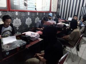 Tak Terima Ditegur, Tiga Pemuda di Sukabumi Nekat Keroyok Polisi