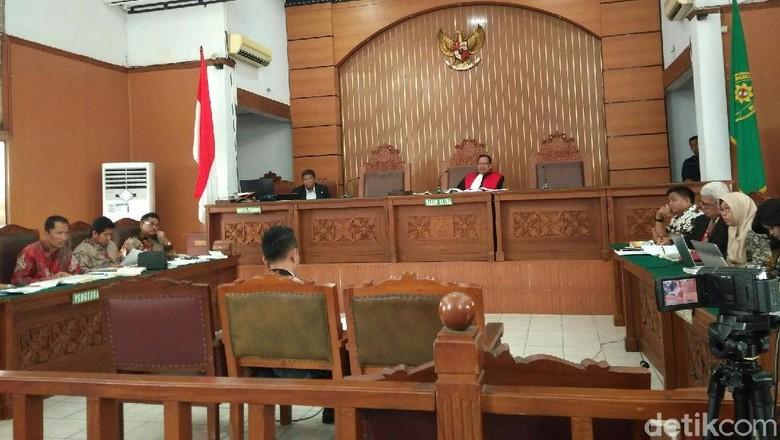 Beda Pendapat Ahli soal Kapan Gugurnya Praperadilan Setya Novanto