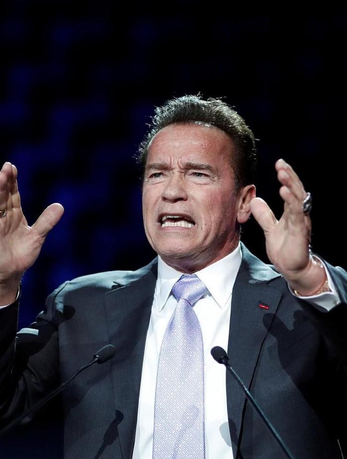 Arnold Schwarzenegger yang sekarang kesulitan berolahraga. Foto: Dok. REUTERS/Benoit Tessier
