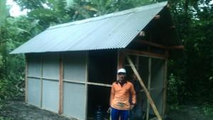 Mbah Panidin yang Hidup Sendiri di Hutan Dibuatkan Rumah Baru
