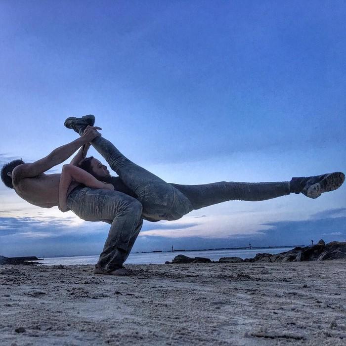 Lihat saja gerakannya, siapa yang bisa melakukan itu? Foto: Instagram/@julstelle