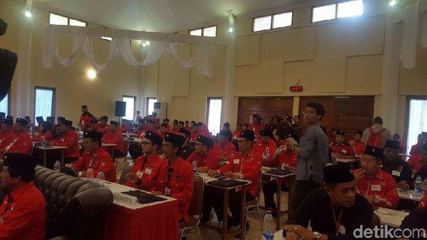 Acara sekolah calon kepala daerah PDIP