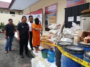 Rumah Produksi Miras di Malang Digerebek, 1 Orang Jadi Tersangka
